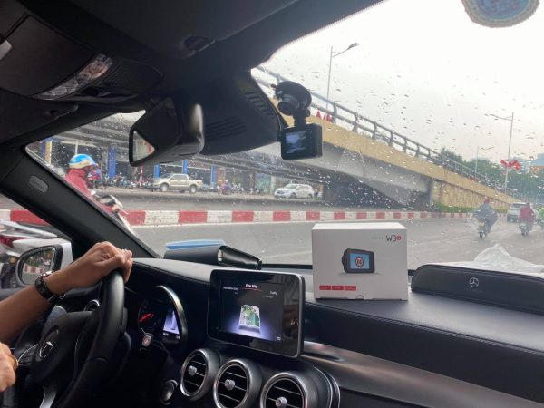 Hình ảnh thực tế camera w8s khi lắp trên xe