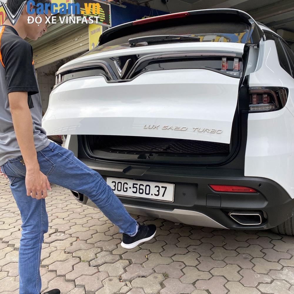 Xe Vinfast Lux SA độ cốp điện tự động