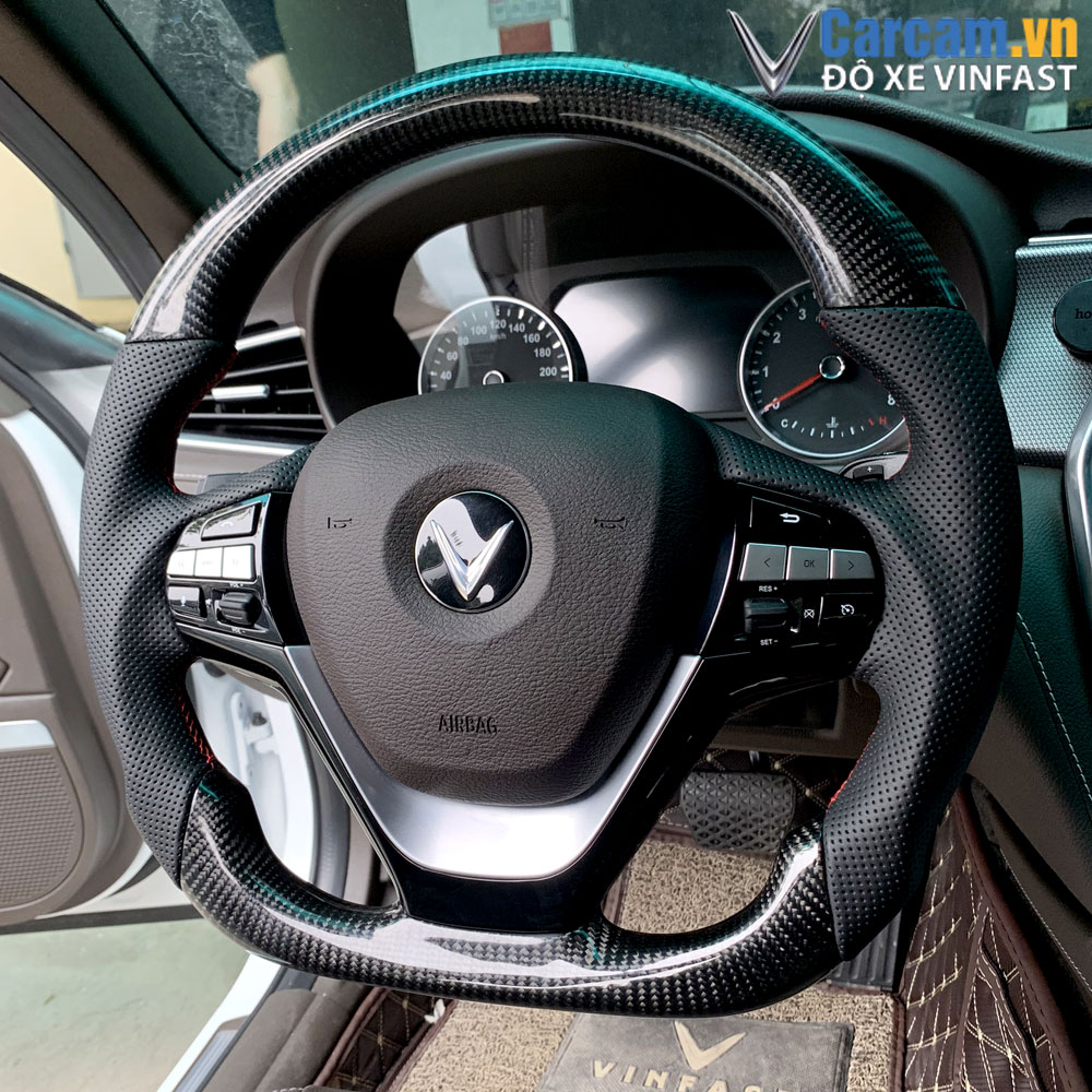 Độ vô lăng carbon fiber xe vinfast lux a