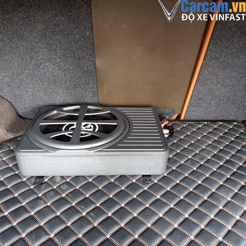 Vị trí đặt loa Sub DLS cho xe Vinfast